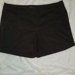Ann Taylor signature fit shorts